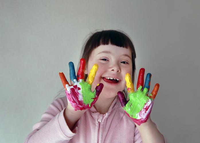 Girlwithspecialneedshandpainting